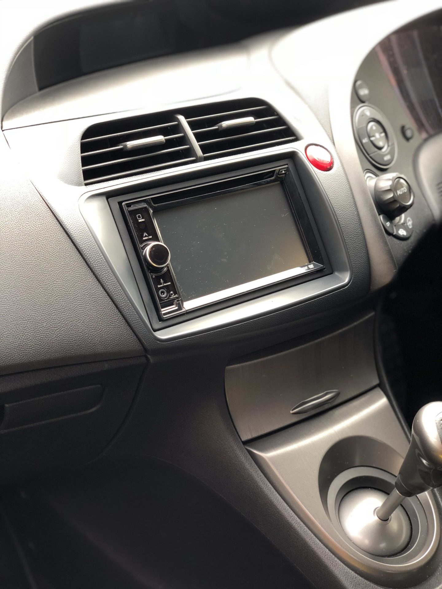 Clarion SatNav unit in Honda Civic 2011-min