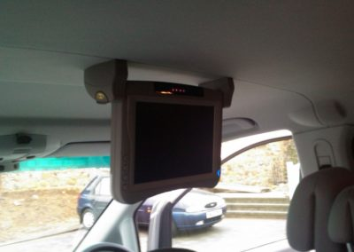 Roof Mount Screen in Hyundai2 | Car audio kent | Kent